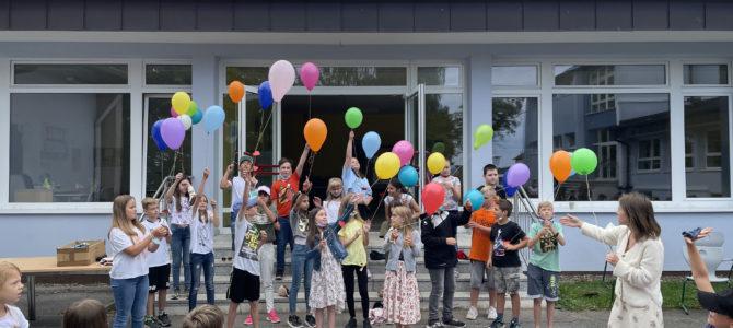 Bunte Ballons am Weidhäuser Himmel